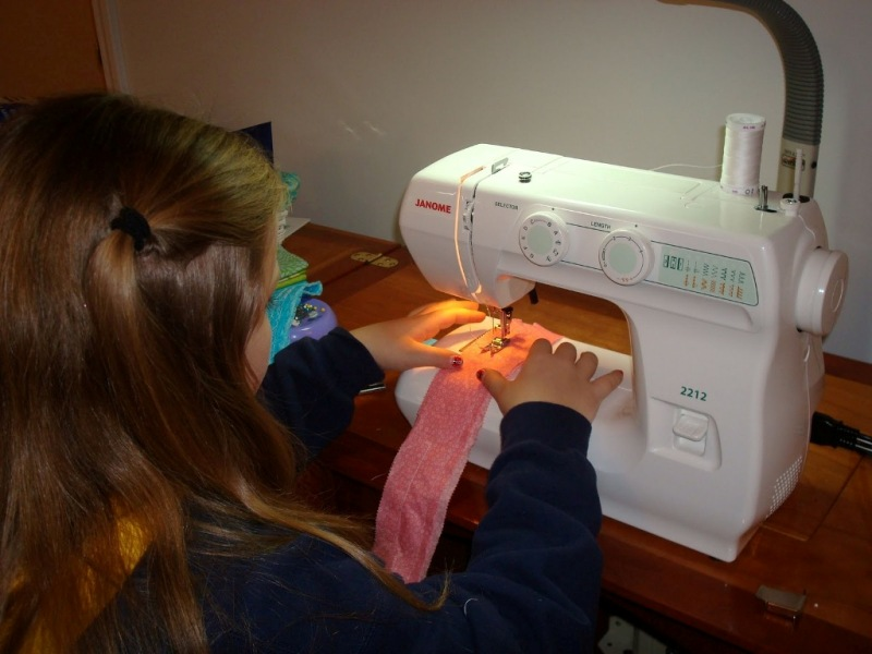 Janome 40 Sewing Machine With More Reviews Excellent Choice For Enchanting Dressmaker Sewing Machine Reviews
