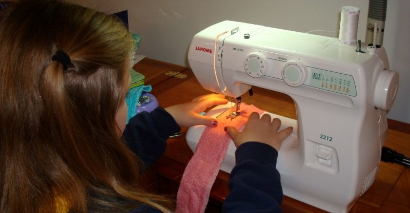 janome-2212-sewing-machine-reviews